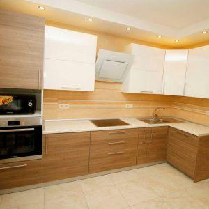 Коричневая кухня в Минске